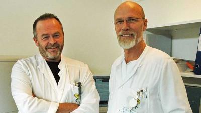 Kreftlegene Øystein Fluge og Olav Mella - nysgjerrige og driftige forskere som har kastet seg inn i ME-forskningen!